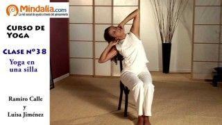 Posturas de Yoga en una silla por Ramiro Calle. CLASE DE YOGA 38